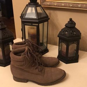 Steve Madden Maicie Leather Boots - 6